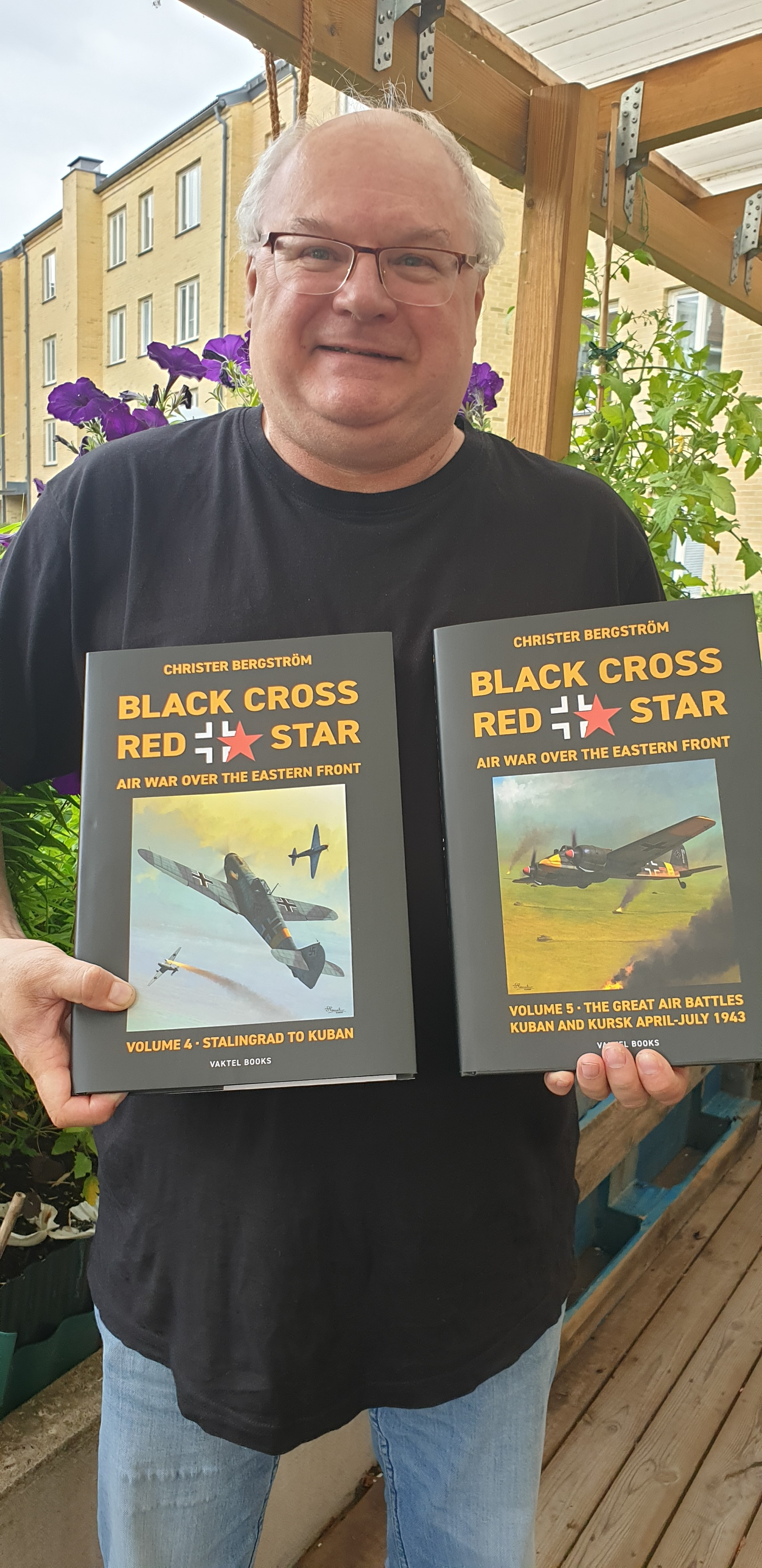 Black Cross Red Star: Air War over the Eastern Front, Vol. 5: Kuban and Kursk har kommit!
